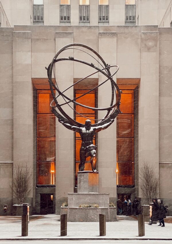 Atlas, el titán griego que sostiene Nueva York